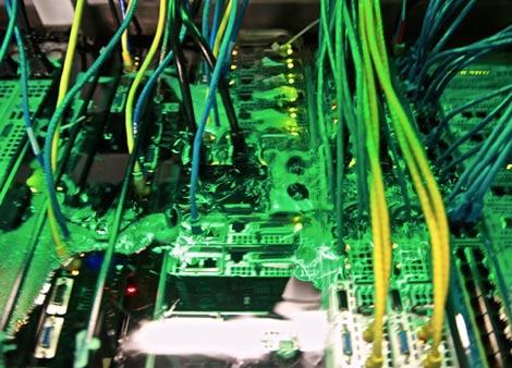 Иммерсионное охлаждение серверов набирает популярность среди хостинг-провайдеров