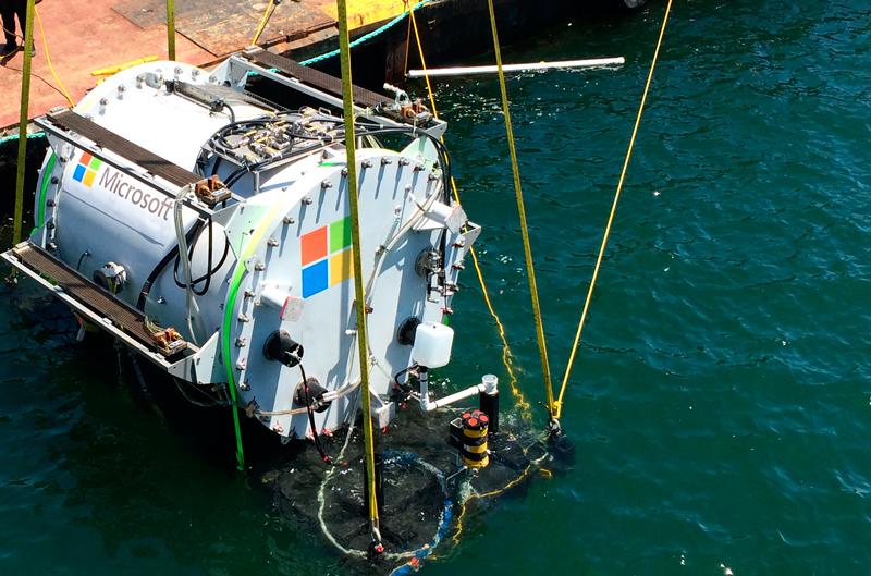 Microsoft может запустить новые подводные дата-центры
