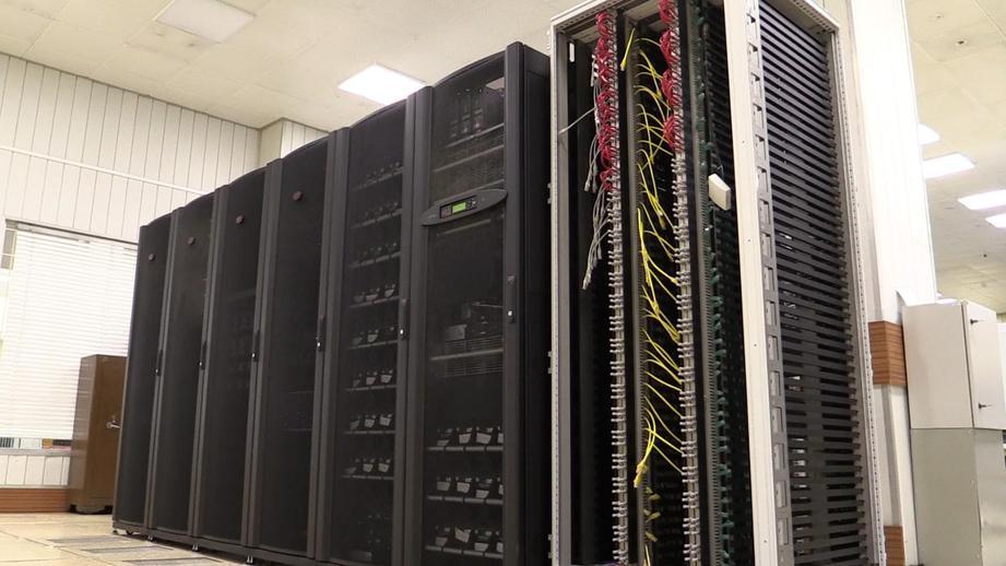 В Дубне презентуют суперкомпьютер мощность 1 петафлопс
